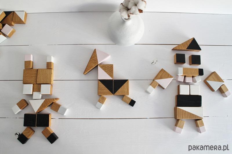 Drewniane klocki czarno-białe
