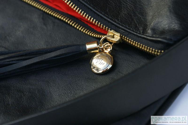 b05ccb8fa1fd2 Duża czarna torba-kopertówka ze skóry naturalnej - torby na ramię ...