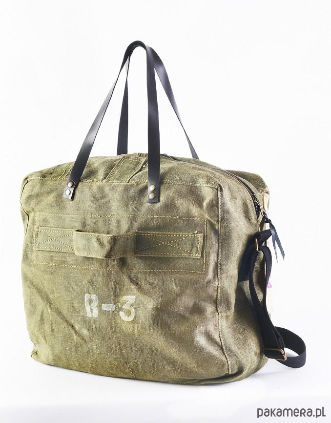 7b98693fec148 Pojemna torba z worka militarnego - upcykling - torebki różne ...