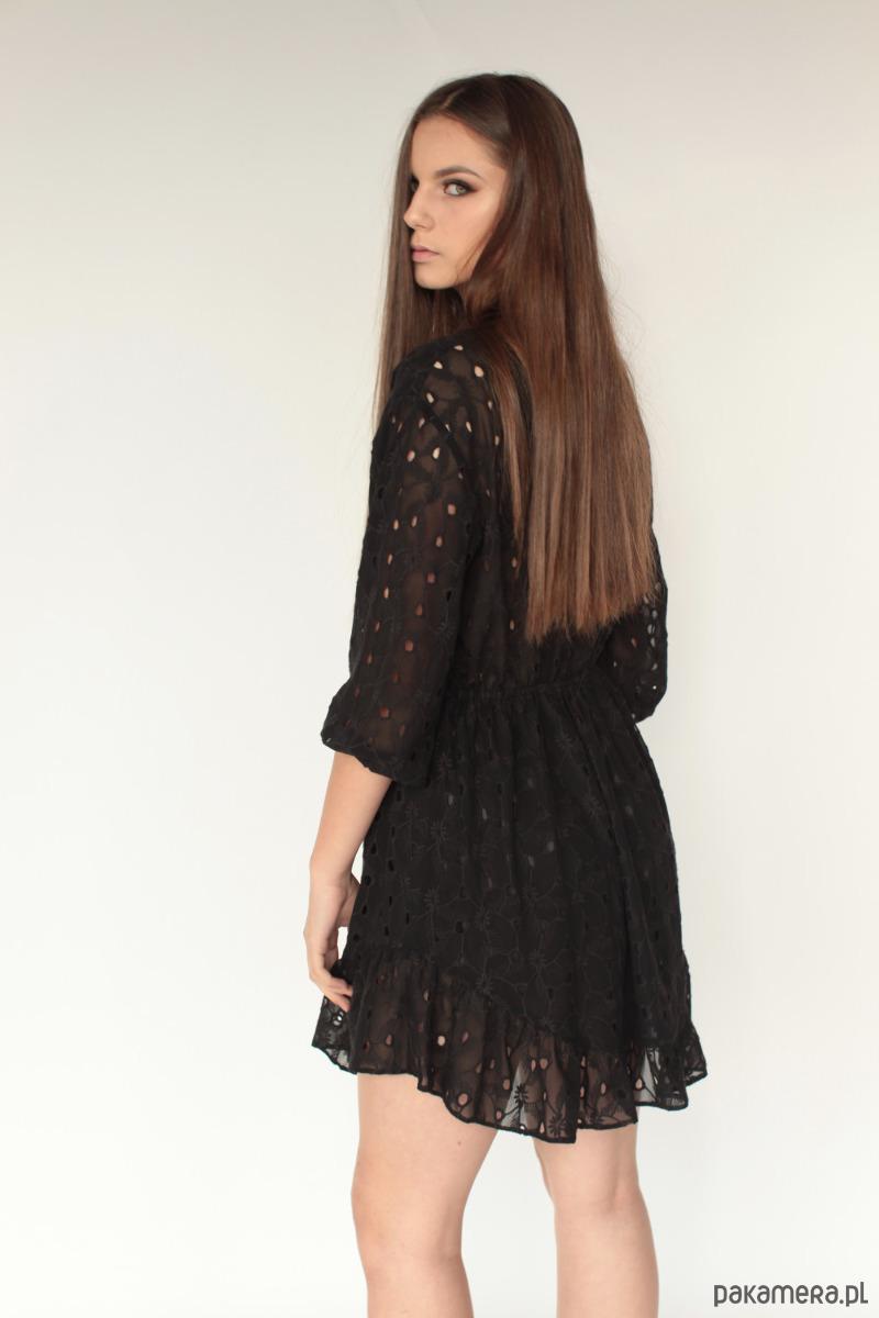 a8b181d228 Sukienka bawełniana haftowana Petra czarna - sukienki - midi ...