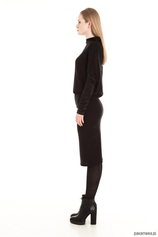 a2ad87a190 Czarna wełniana sukienka midi - sukienki - midi - Pakamera.pl