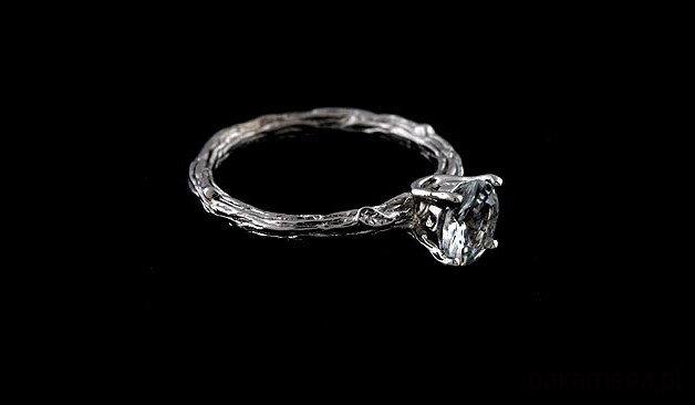 Pierścionek Zaręczynowy Z Białym Szafirem Pierścionki Różne