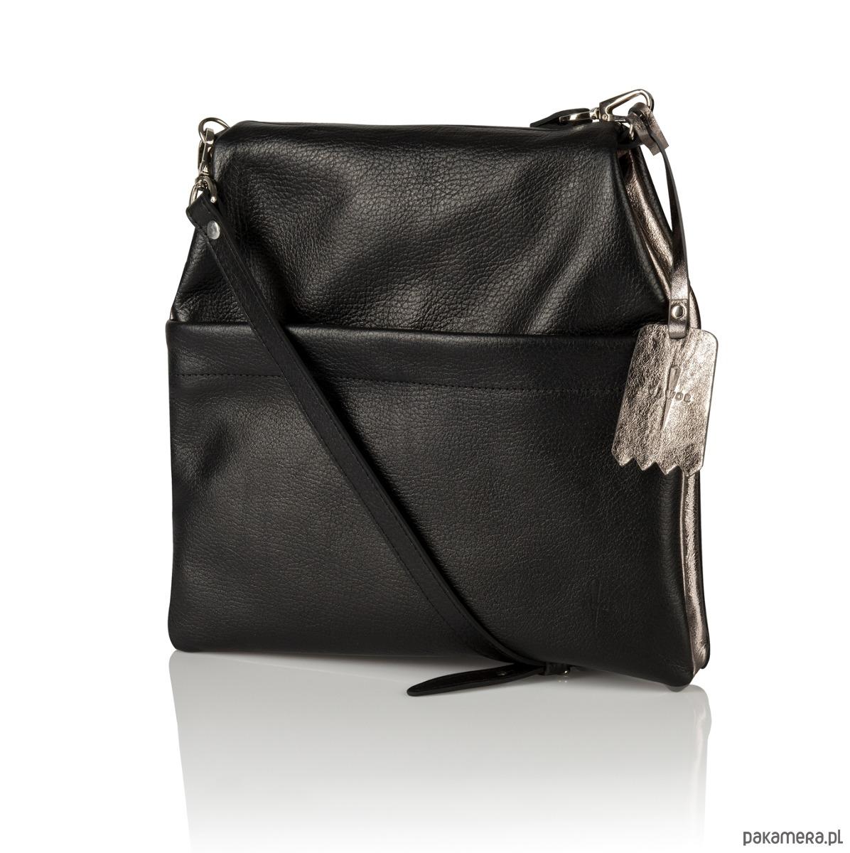 d6d4ae2591088 Skórzana dwustronna torebka listonoszka czarna - torby na ramię ...