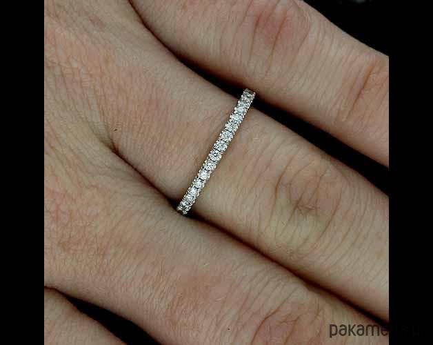 W Ultra Delikatna obrączka ślubna z diamentami 1.8mm - Ślub - obrączki EN71