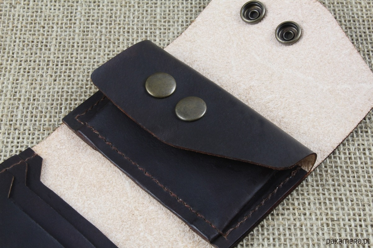 43f56a28e387c Składany skórzany portfel - portfele - unisex - Pakamera.pl