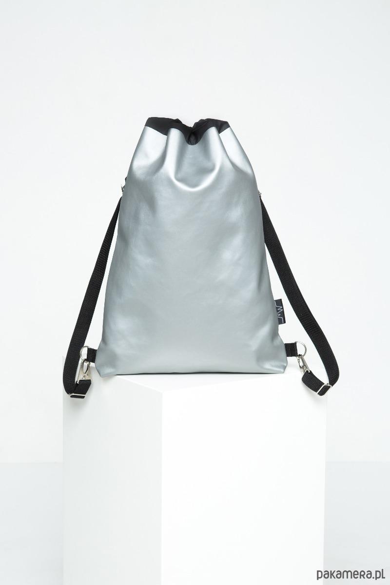 297d37c2273af Srebrny plecak / torebka z ekologicznej skóry - plecaki - Pakamera.pl
