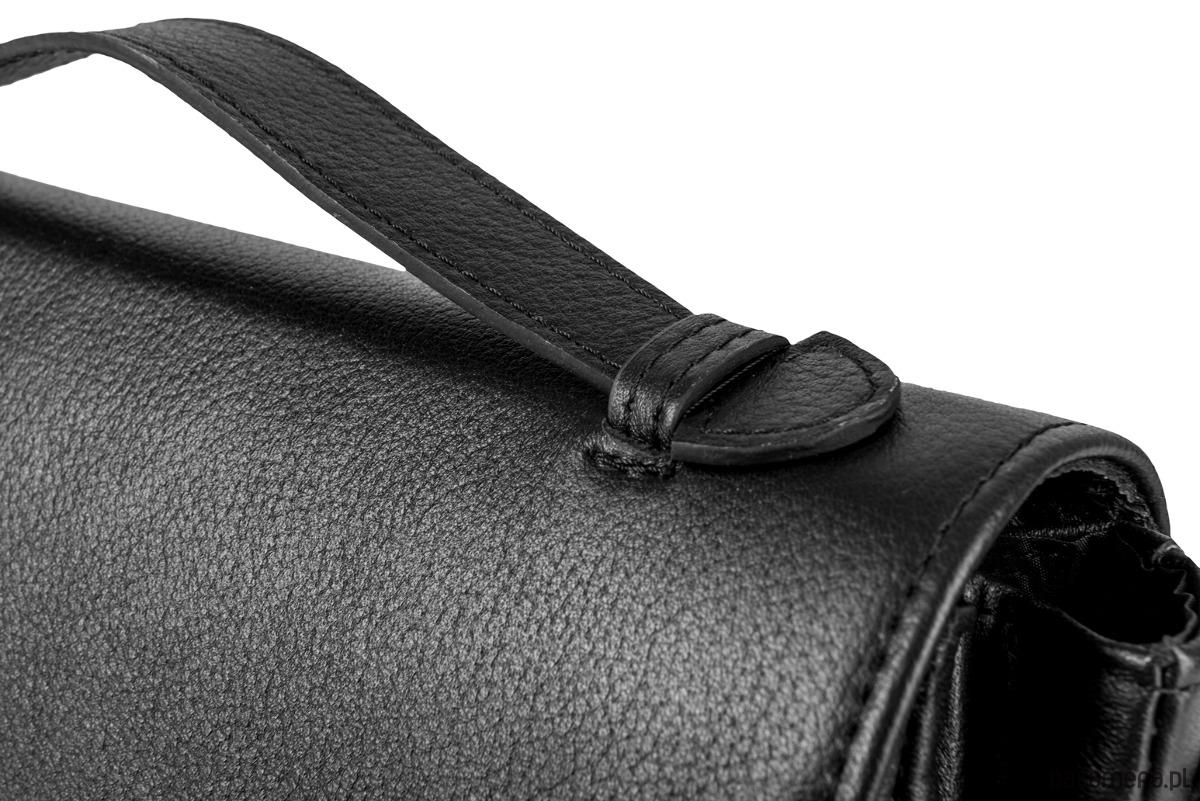 35efe31e51eb0 Skórzana torebka czarna złote dodatki Alessandra - torby na ramię ...