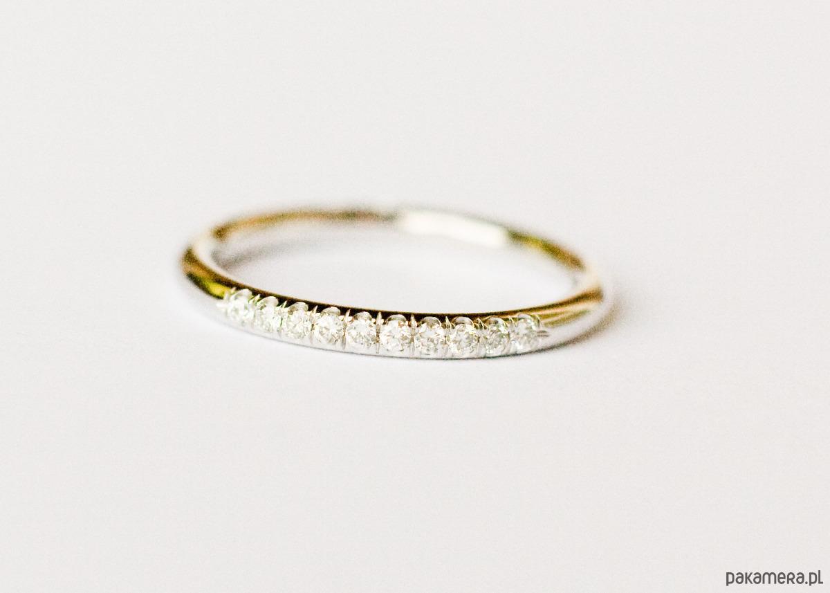W superbly 2mm obrączka z diamentami w złocie 585 - Ślub - obrączki - Pakamera.pl LP52
