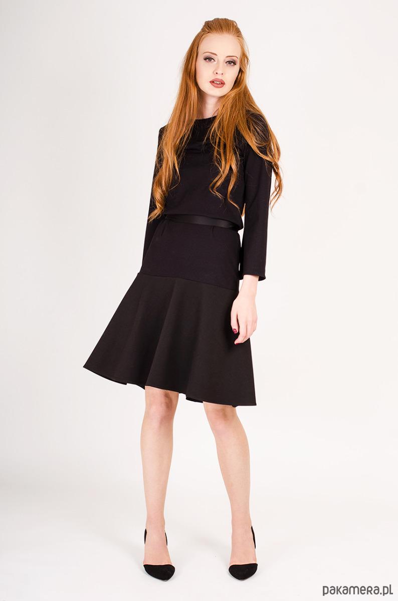 544f22c86f czarna sukienka z dzianiny - sukienki - midi - Pakamera.pl