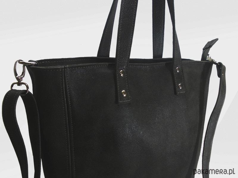 81be4e3263330 Skórzana czarna duża torebka damska - torby na ramię - damskie ...