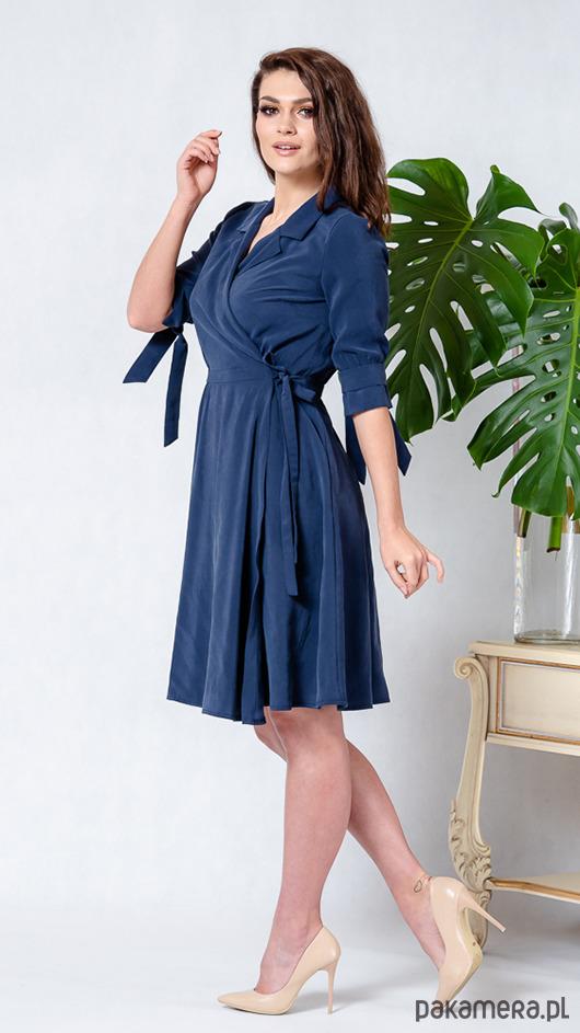 eb88b50053 Sukienka rozkloszowana PRETTY WOMAN - granatowa - sukienki - midi ...