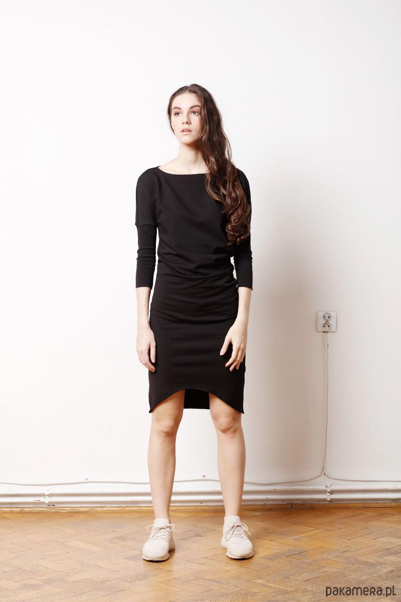1e115714fa Wygodna Dzianinowa Sukienka CADO mała czarna - sukienki - midi ...